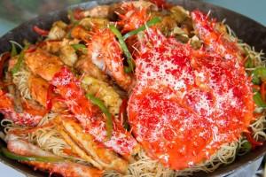 ปูอลาสก้าผัดซอสเสฉวนบะหมี่ฮ่องกง